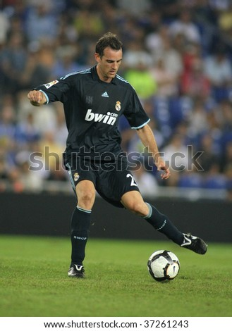 BARCELONA - SEPT. 12: German player  Metzelder of Real Madrid in action during a Spanish League match against Espanyol at the Estadi Cornella-El Prat on September 12, 2009 in Barcelona, Spain
