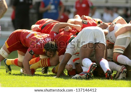 BARCELONA - SEPT, 15: USAP Perpignan players scrumming during the French rugby union league match USAP Perpignan vs Stade Toulousain at the Olympic Stadium in Barcelona, on September 15, 2012