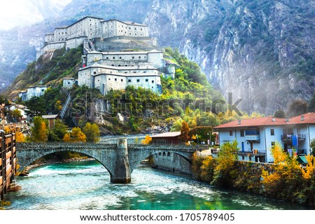 Bard fortress (castle) or Castello di Bard -  beautiful  medieval castle in Valle d'Aosta. northern Italy Foto stock ©
