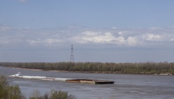 Barge Shipping on the Mississippi River