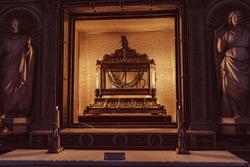 Basilica San Pietro in Vincoli and Saint-Pierre chains relics