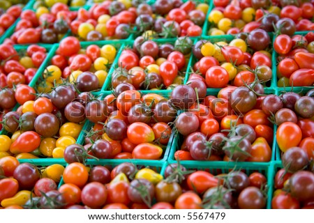 Baskets of Heirloom Cherry Tomatoes at Farmer's Market (6277)