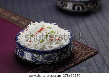 basmati rice  in a bowl