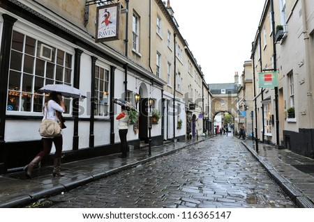 BATH - OCT 5: View of an old cobble street in the city centre on Oct 5, 2012 in Bath, UK. Bath is one of the UK's top tourist destinations with 4.65 million visitors in 2011.