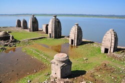 Bathu Ki Ladi are ancient Hindu temples believed to have been built by Pandavas. These temples remained submerged under the waters of Maharana Pratap dam, Pong Dam & are only accessible by boat/track