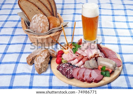 Bavarian Wurst plate with a glass of beer