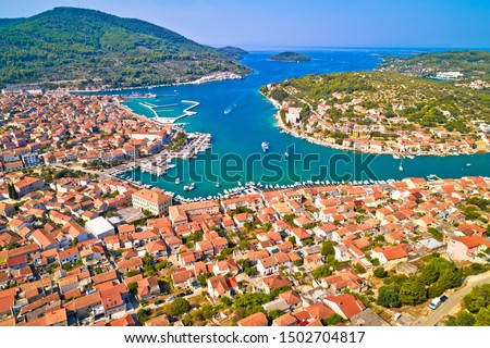 Bay of Vela Luka on Korcula island aerial view, archipelago of southern Dalmatia, Croatia Foto stock ©