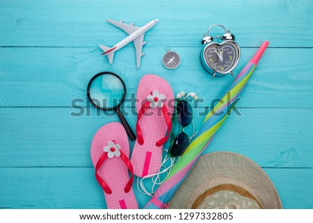df6c34473d21 Free photos Women shoes and sunglasses on wooden background