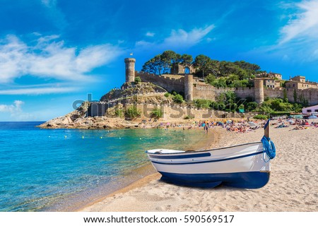 Beach at Tossa de Mar and fortress in a beautiful summer day, Costa Brava, Catalonia, Spain Photo stock ©