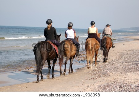 horseback riding on the beach. photo : Beach horse-riding