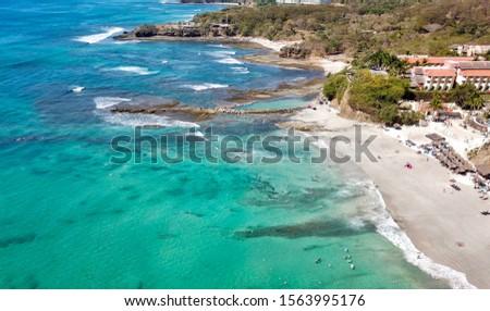 Beach in Punta de Mita, in Nayarit Mexico. a virgin beach of fine sand and calm waves Foto stock ©