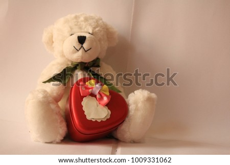 bear white heart valentine #1009331062