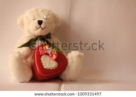 bear white valentine heart #1009331497