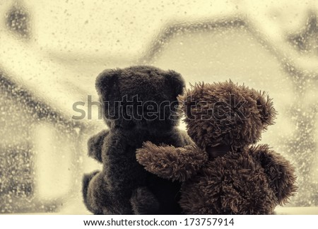 bears in love's embrace ...
