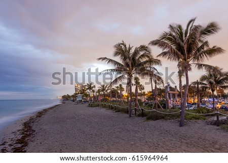 Beatiful Dania beach at dusk. Hollywood Beach, Florida, United States Zdjęcia stock ©