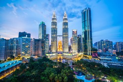 Beautiful architecture building exterior city in kuala lumpur skyline at night