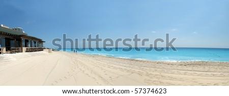 beautiful beachfront on cancun resort
