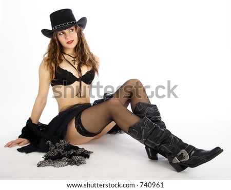 cowgirl makeup. black dressed cowgirl