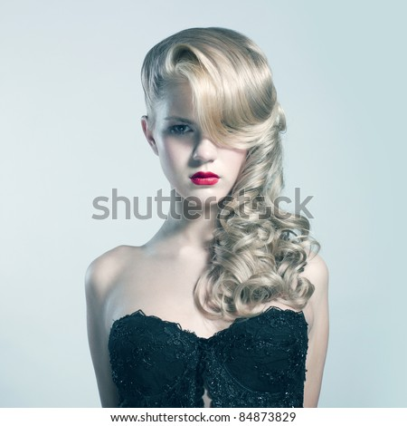 Lifestyle - Pagina 5 Stock-photo-beautiful-blond-woman-with-elegant-black-dress-fashion-photo-84873829