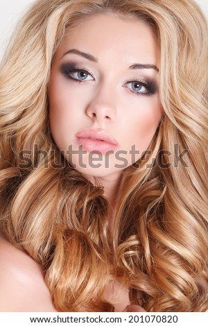 How To Get Huge Lips Naturally