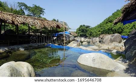 beautiful bo ghe waterfall in bach ma national park Imagine de stoc ©