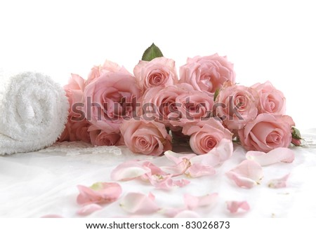 beautiful bouquet pink roses with white towel