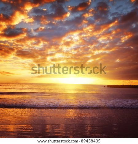 Beautiful bright sunset on the ocean.