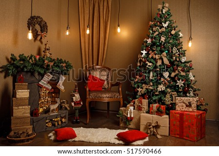 beautiful classic red and golden christmas room decor - Christmas Room Decor