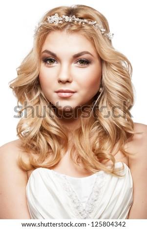 Beautiful elegance bride with beauty wedding coiffure