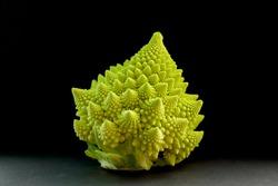 Beautiful Fractals in Romanesco Cauliflowers