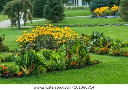 Flower gardens wallpaper - Gallery For Gt Bright Flowers Garden