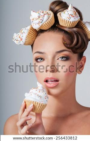 beautiful girl eats cake
