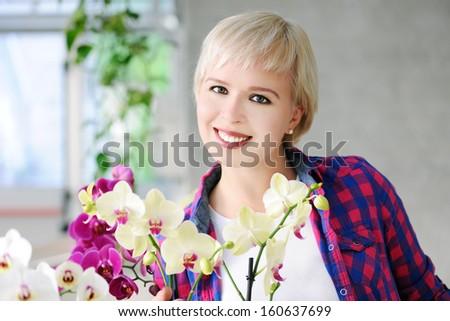 beautiful girl in autumn park #160637699