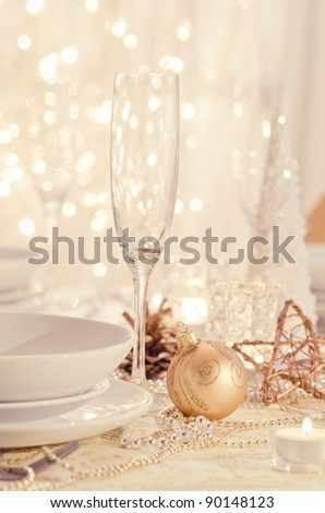 Beautiful gold place setting for Christmas