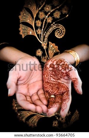 Beautiful henna tattoo in a bride's hand 03 - body art