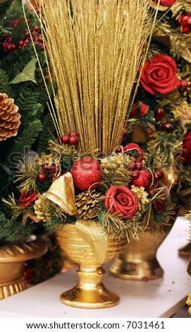 beautiful holiday arrangements