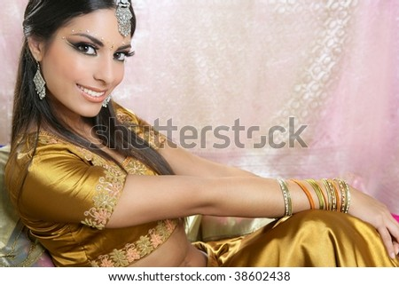 Beautiful indian brunette young woman with traditional fashion