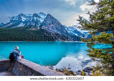 beautiful lake louise in banff...