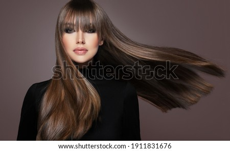 Beautiful model woman with shiny  and straight long hair. Keratin  straightening. Treatment, care and spa procedures. Beauty  girl smooth hairstyle Foto stock ©
