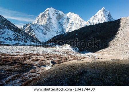 Beautiful mountains on the way to Everest base camp - Mt Cholatse, Tabuche peak and Arakam Tse - Nepal