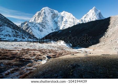 Beautiful mountains on the way to Everest base camp - Mt Cholatse, Tabuche peak and Arakam Tse - Nepal