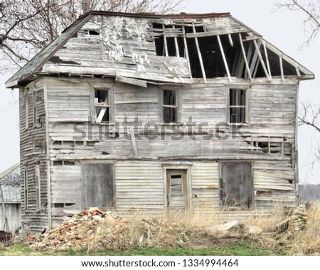 Beautiful old houses and barns and landscapes of the countryside. Rustic photos of time gone by.