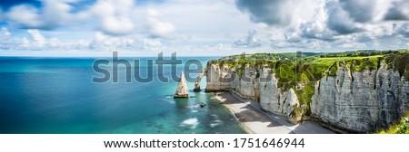 Beautiful Panorama in Etretat France ,Sea, Beach, Coast, Normandy, Atlantic, Ocean, Cliffs, Rocks, Photo stock ©