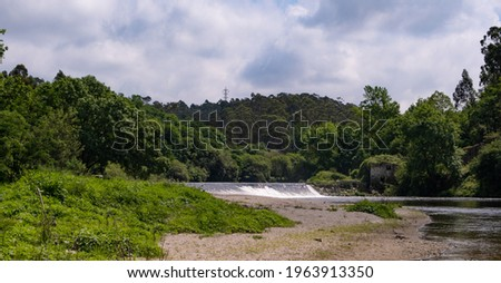 Beautiful Portuguese countryside landscape. River Ave and forest in Vila do Conde, Portugal. Foto stock ©