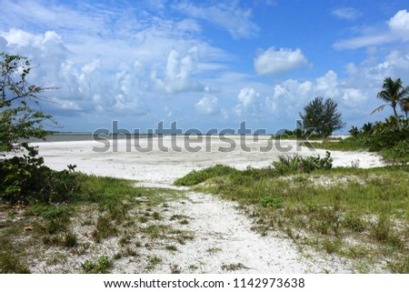 Beautiful quiet Fort Myers Beach, Florida.\n
