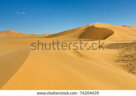 Beautiful Sand Dune at Erg Tamesset, Sahara Desert, Libya