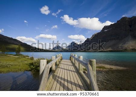 Beautiful scenery at Bow Lake, Banff National Park, Alberta, Canada