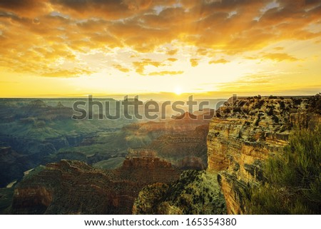 Beautiful sunset at Monument Valley, USA #165354380