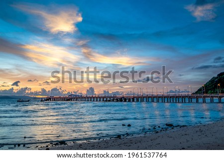 Beautiful sunset scenes over the long bridge at the Lo Jak pier in Thailand Zdjęcia stock ©