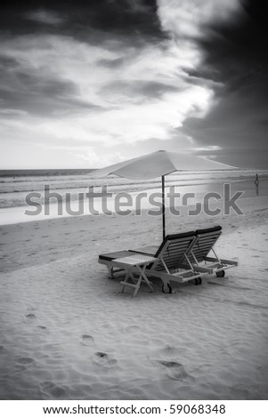 Beautiful surfing sand beach - black and white